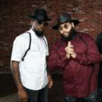 Logo du podcast Three Vocalists of The Hamiltones Deliver a Vintage-Sounding Soul Swagger
