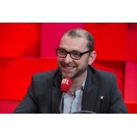 """Logo du podcast L'Europe ne doit pas entrer dans """"une guerre des tarifs douaniers"""", prévient Frédéric Oudéa"""