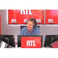 Logo of the podcast Notre-Dame : Emmanuel Macron prend des risques en contrôlant la reconstruction