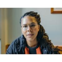 """Logo du podcast Palavra de Autor 9# Djaimilia Pereira de Almeida: """"Na desgraça as pessoas são todas iguais"""""""