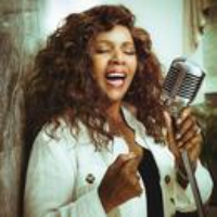 Logo du podcast Gloria Gaynor Gives 'Testimony' With Gospel-Roots Groove Music