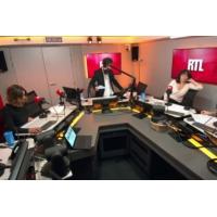 """Logo of the podcast Remaniement : """"On est chez les fous !"""", s'étrangle un ministre"""