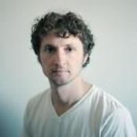 Logo du podcast Sam Amidon Transforms Traditional Folk