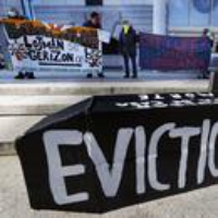 Logo du podcast The COVID-19 Eviction Moratorium Is Set to Expire This Month 2021-07-26