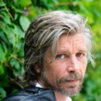 Logo of the podcast Karl Ove Knausgaard Reads V. S. Naipaul