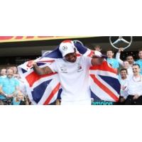 Logo du podcast Formule 1 : Lewis Hamilton égale Fangio