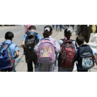 Logo of the podcast Afrique: les enfants éloignés des bancs de l'école