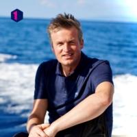 Logo du podcast Dwars door de Middellandse Zee - unieke verhalen uit het reisdagboek van Arnout Hauben