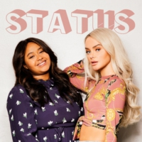 Logo of the podcast Status fra Sophie & Fetisha
