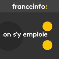 Logo of the podcast On s'y emploie du dimanche 26 juillet 2020