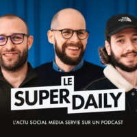 Logo du podcast Youpi, c'est lundi ! Mention j'aime les pages, Whatsapp, Signal, stories sur desktop, loi anti Deep…