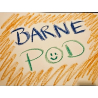 Logo of the podcast BarnePod