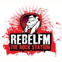 Logo de la radio Rebel FM 93.7