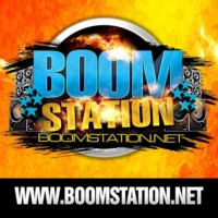 Logo de la radio BoomStation Nyc