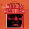 Couverture de l'album Miles Smiles